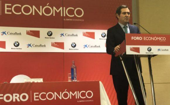 Antonio Garamendi (CEOE) impresiona en Vitoria ante los empresarios